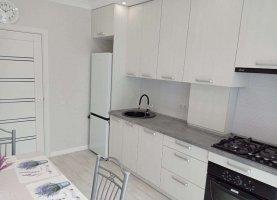 Сдаю однокомнатную квартиру, 37 м2, Калининград, улица Александра Невского, 220