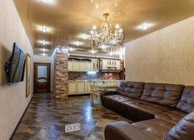 Снять - фото. Снять трехкомнатную квартиру посуточно без посредников, Екатеринбург, улица Белинского, 177Ак3 - фото.